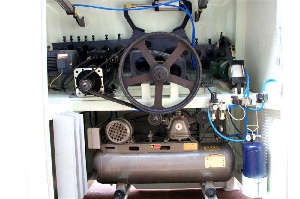 CNC دستگاه خم کن 4
